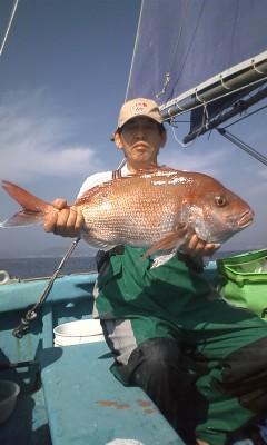 10月30日 今年お初の瀬の海の大型4.3kg!!これからもっとデカいのをバンバン!!釣りましょうね!