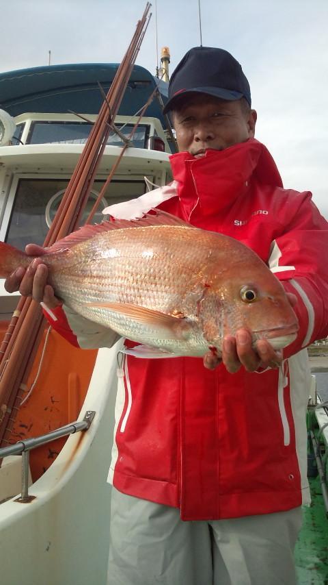 26日 本日唯一瀬の海でゲットできたマダイ、2.8kg!!